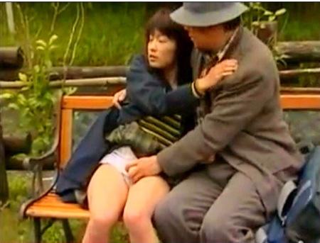 【ヘンリー塚本】可愛い美少女と教師!便所でファック!【谷原希美】