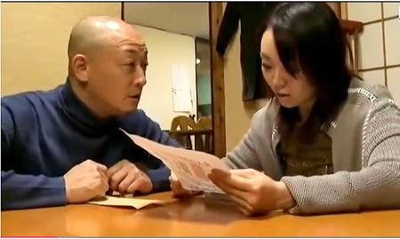 【ヘンリー塚本】寝取り寝取られ!マンネリ夫婦が夫婦交換会に行く!