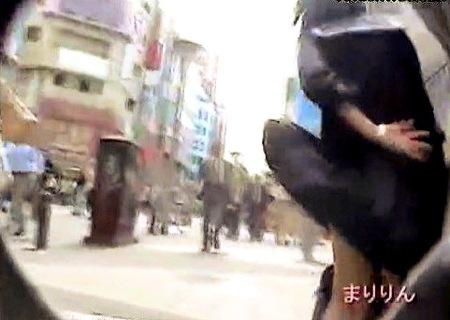 【パンチラ】風の強い日!女子高生のパンティを隠し撮り!