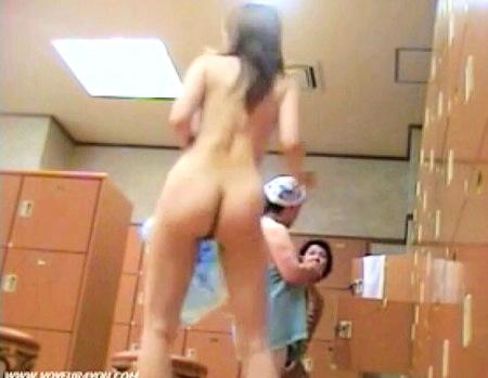 【風呂】風呂の脱衣所!プリプリした女子大生や奥さまの裸隠し撮り!