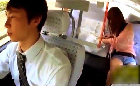 【おしっこ】交通が渋滞!タクシーの中でお漏らししました!