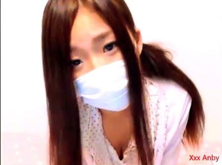 【ライブチャット】ちっぱいお姉さん!かわいい美人が生ストリーミング配信!