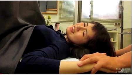 【病院】婦人科!ドスケベな医者が媚薬をオメコに!