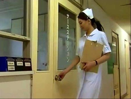 【ヘンリー塚本】熟女の看護師!真夜中に患者のベッドでしていたことは!?