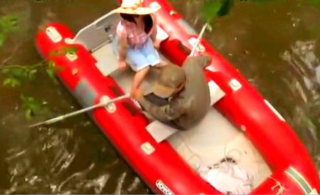 【ヘンリー塚本】野外!ドスケベなカップルがボートの上でデート!