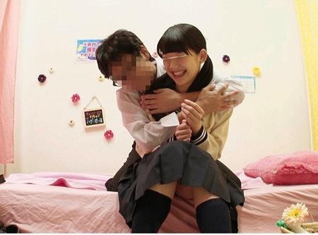 【JKリフレ】秋葉原で営業!可愛い美少女ロリータの裏オプションとは?
