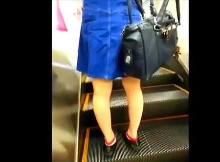 【パンチラ】可愛い美少女ミニスカート!パンティ隠し撮り盗撮!