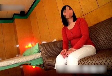 【個人撮影】巨乳妊婦!三十路の奥さまと生々しい援交!
