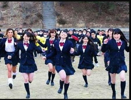 【ハーレム】100人×鬼ゴッコ!捕まったら自由に強姦レイプ!