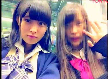 【パンチラ】可愛い美少女すぎるロリータ!パンティを電車で逆さ撮り!