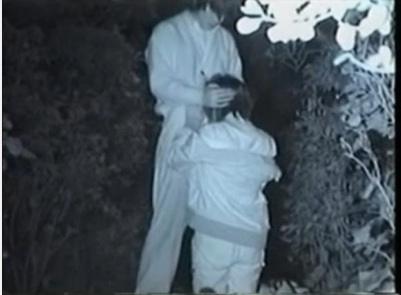 カップルのフェラ無料ハメ撮り動画。[盗撮]カップルがチンポをフェラチオさせてた!公園盗撮動画です!
