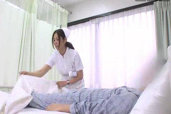 病院にて、ナースの手コキ無料syukan動画。盗撮病室でナースが手コキです!病院盗撮動画です!