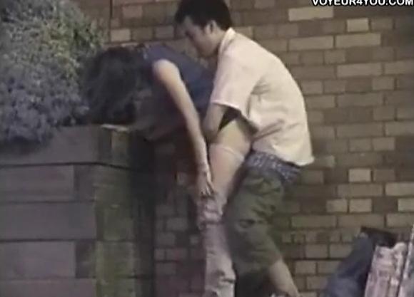 OLの盗撮無料syukan動画。[盗撮]若いOLが公園で彼氏と立ちマン中!公園盗撮動画です!