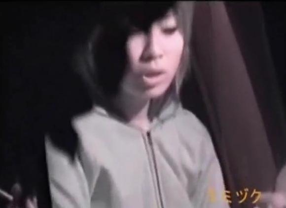 盗撮無料主観動画。盗撮若い男女が車でチンポコをフェラチオ!公園盗撮動画です!
