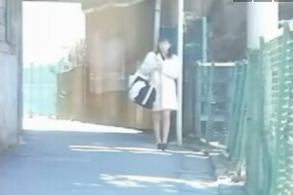巨乳の奥様の盗撮無料主観動画。盗撮道端を歩いている服を着た奥様!企画巨乳動画です!