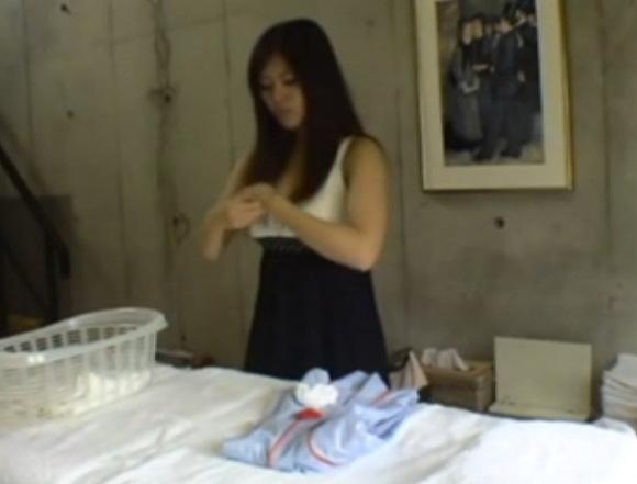 爆乳の素人女性の盗撮無料エロハメ撮り動画。[盗撮]爆乳奥さんがエステで発情!マッサージ盗撮動画です!