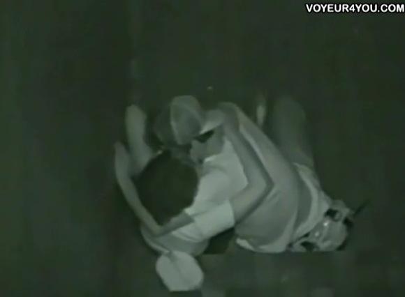 盗撮無料主観動画。盗撮屋外でセックスしてる男女!セックス盗撮動画です!