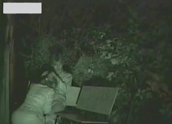 OLのフェラ無料エロハメ撮り動画。盗撮公園のベンチでOLにフェラチオ!セックス盗撮動画です!