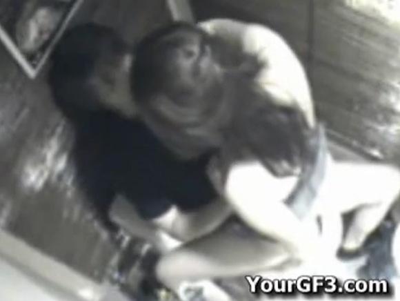 盗撮無料ハメ撮り動画。盗撮ビデオボックスでセックスしていた男女!セックス盗撮動画です!