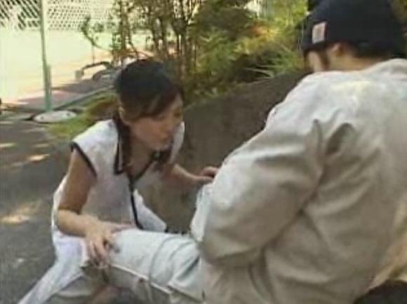盗撮無料主観動画。[盗撮]セクシー女優が公園のベンチでフェラチオ!公園盗撮動画です!
