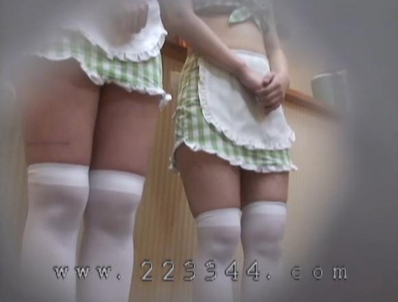 コスプレのメイドの盗撮無料主観動画。盗撮逞しい太もものメイドが二名!コスプレ巨乳動画です!