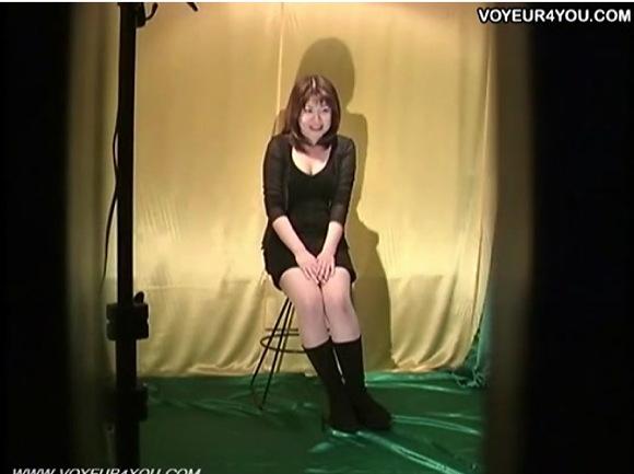 更衣室にて、素人女性の盗撮無料syukan動画。盗撮偽コンクールで全裸を盗撮!更衣室盗撮動画です!
