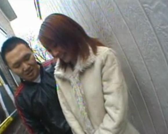カップルの青姦無料エロハメ撮り動画。盗撮AV女優がおっさんと屋外でやります!カップル青姦動画です!