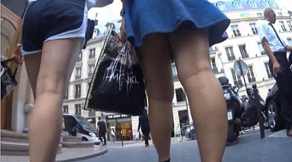 ミニスカの美人のパンチラ無料ハメ撮り動画。[盗撮]買い物をしてるミニスカート美人!パンチラ盗撮動画です!