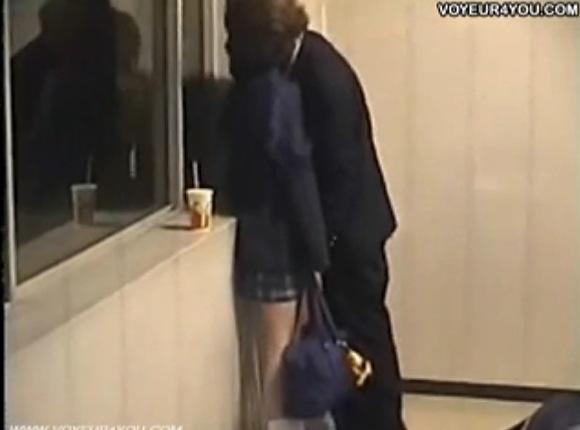 盗撮無料hamedori動画。[盗撮]階段で熱愛男女!公園盗撮動画です!