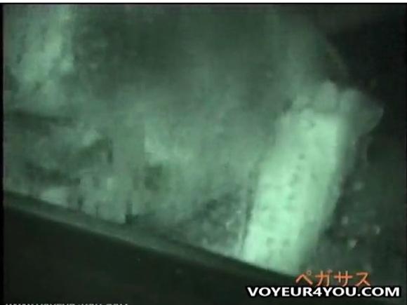 フェラ無料主観動画。[盗撮]真夜中の車内でフェラチオ!公園盗撮動画です!
