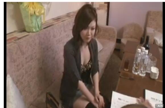[盗撮]キャバ嬢生撮りのパンチラ!風俗盗撮動画です。