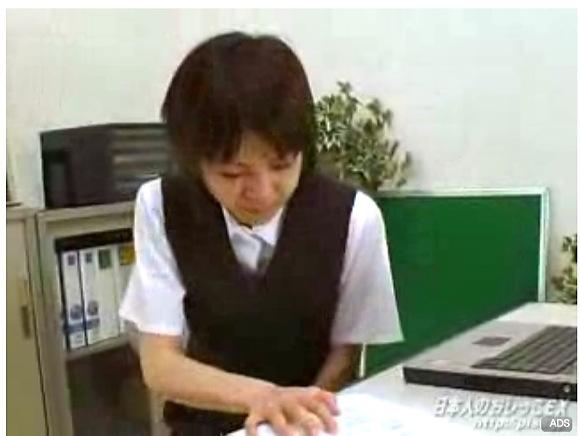 [盗撮]森田みずほさんのOLは会社でお漏らした!おもらし盗撮動画です。