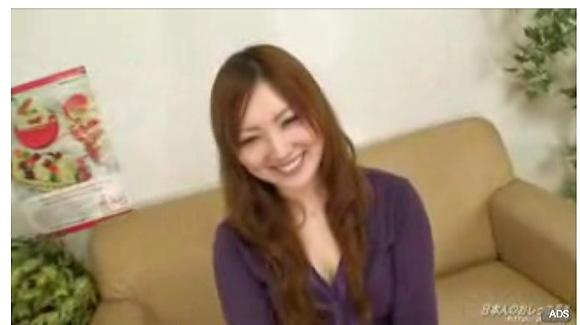 [盗撮]高瀬麻紀(21)さんはローターで感じてしまいお漏らし!おもらし盗撮動画です。