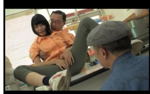 [盗撮]いとう凛さんの店員が悪徳店長にセクシュアルハラスメント!企画巨乳動画です。