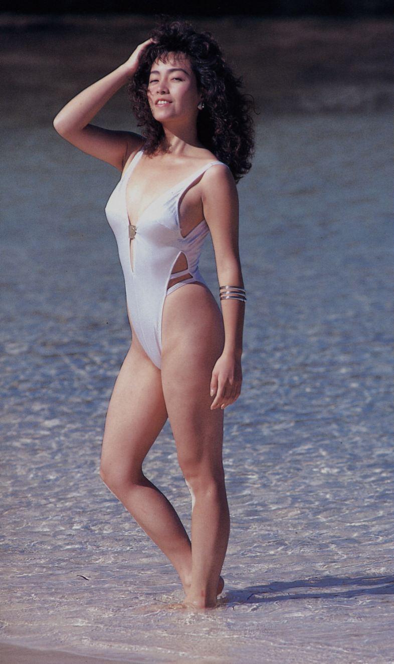柏原芳恵ヌード [水着]柏原芳恵:謎めいた私生活です!巨乳アイドルの水着やヌード動画です。