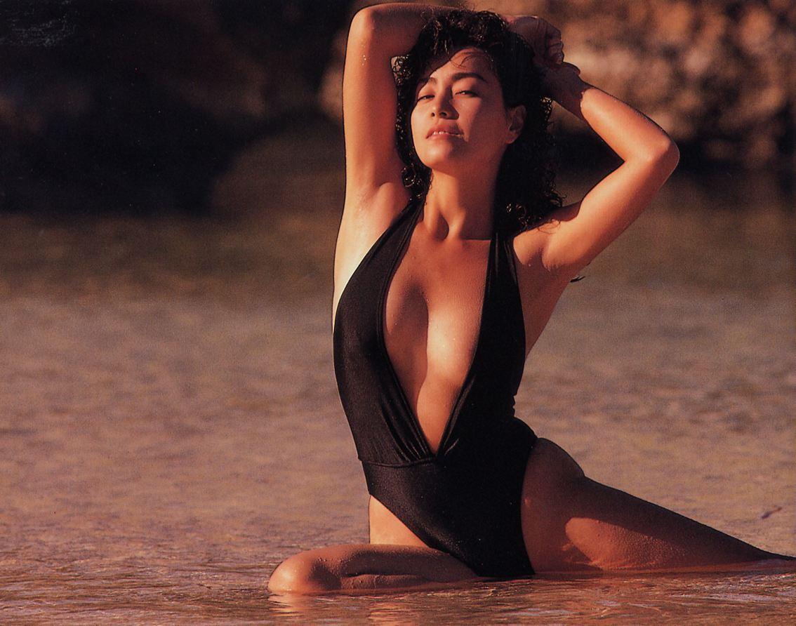 柏原芳恵ヌード [水着]柏原芳恵:女コマンドになりました!巨乳アイドルの水着やヌード動画です。