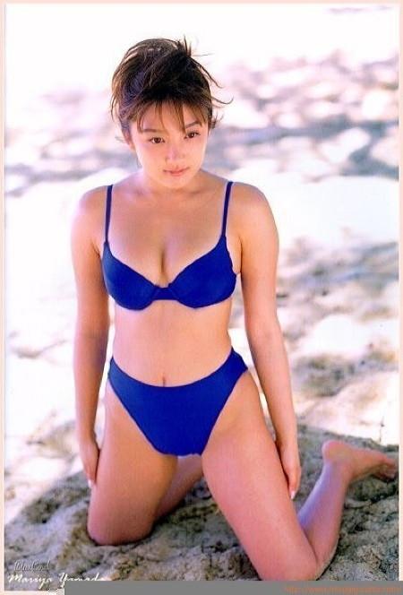 山田まりやさん水着09