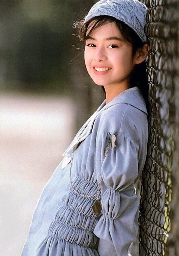 後藤久美子さんおっぱい04