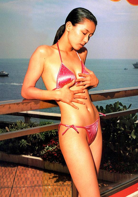 田村英里子さんの水着06