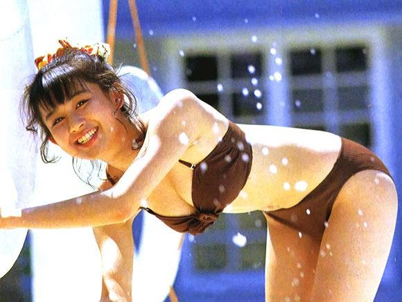 田村英里子さんの水着09