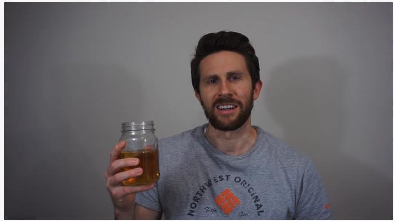 『Drinking My Own Urine. Good Idea or Bad Idea?』飲尿