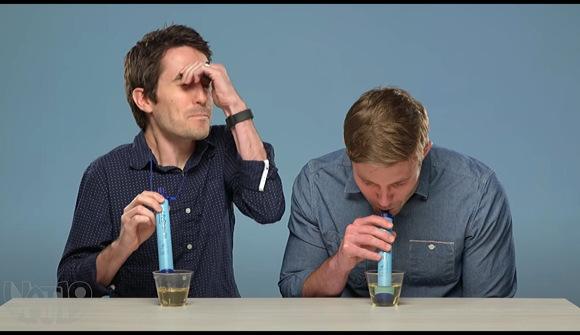 『ライフストロー チャレンジ。おしっこを飲む』LIFESTRAW CHALLENGE: Drinking Pee, Backwash & More!