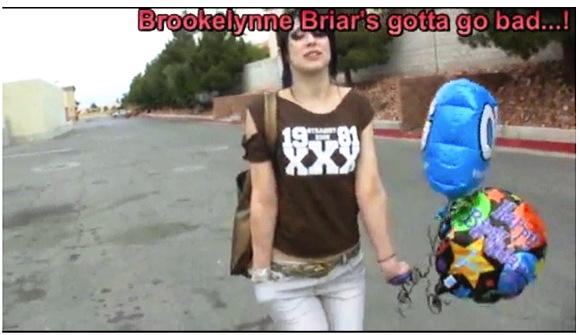 【着衣お漏らし+ineed2pee】『ブルックリン・ブライアーさんがタイトパンツでお漏らし』他【動画】