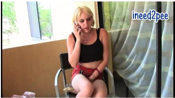 【着衣お漏らし+1031Fetish+ineed2pee】『フロリダの女の子のおしっこ我慢とジーンズお漏らし』他【動画】