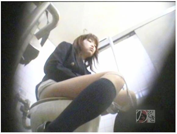 盗撮!女子校生の公衆トイレ制服オナニーDX
