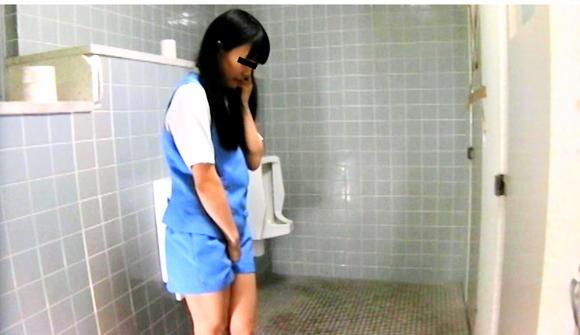 トイレ盗撮 美女達のはしたない立ちション姿盗撮!