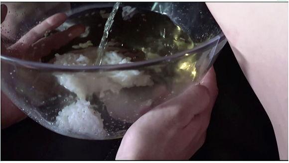 おしっこ飲み比べ 温かい搾りたてのおしっこは僕にとってのエナジードリンク