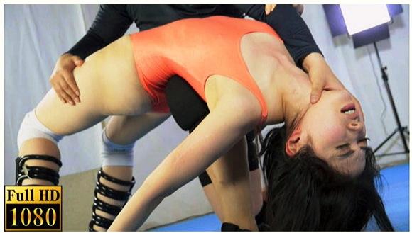 【女子プロレス+MIXプロレス+リョナ+拷問】プロレス技を耐える女13!これはひどい虐待プロレス。女子レスラーが逞しい男に一方的に責められます【ABV+残酷表現+暴力的】