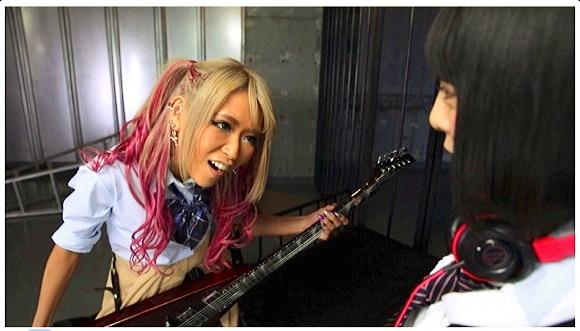 『GALILY 【ギャル×音楽才女×ロック×バンド×ギター×女子高生=百合】 RISA 七海ゆあ 百合動画』