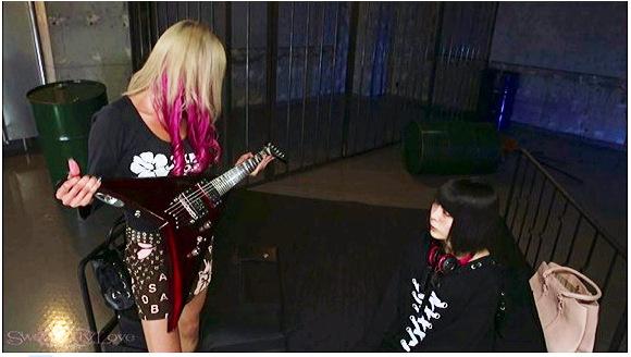 『GALILY【ギャル×音楽才女×ロック×バンド×ギター×女子高生=百合】 RISA 七海ゆあ 百合写真集&動画セット販売』